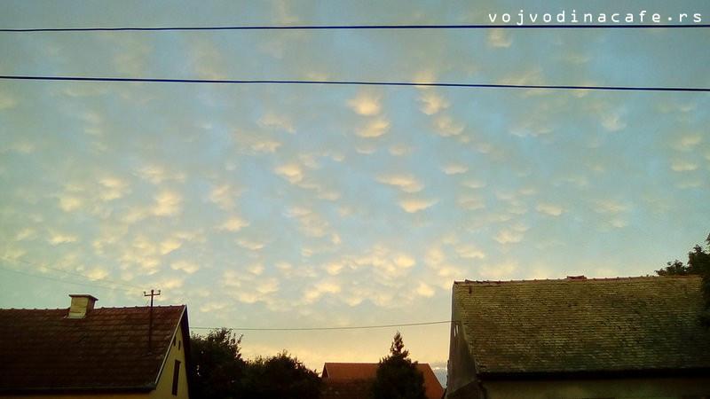 Mamati oblaci u Kuli, ulica Sonja Marinković